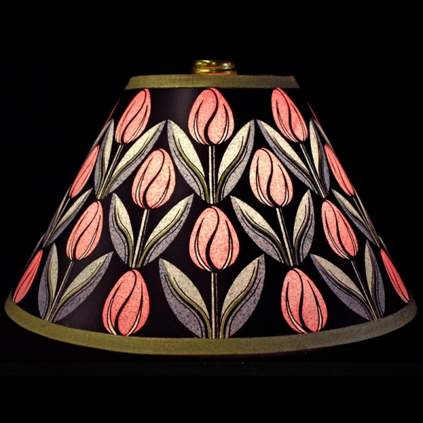 lampshade_-_tulips_pink_gold_-_lit_up