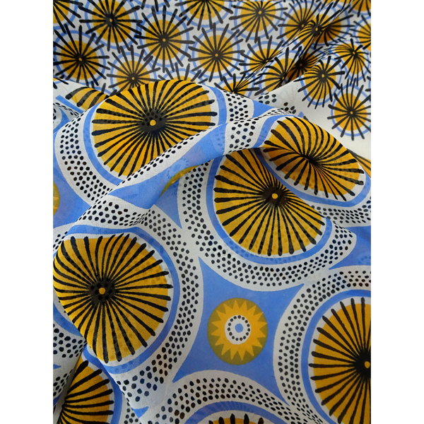 parasol_-_cream_yellow_blue_close_up